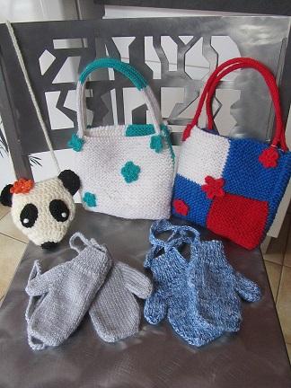 Petits sacs et moufles enfants
